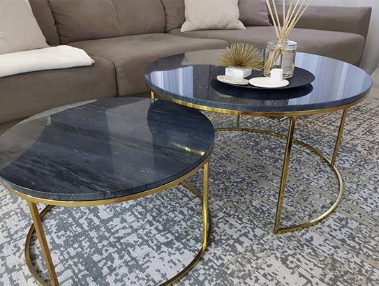 Mesas de centro apilables ANGELA - Mármol negro y metal dorado