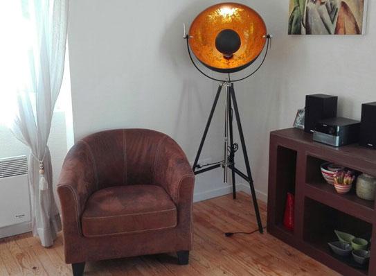 Fotel typu cabriolet z mikrofibry postarzanej ALATA - Kolor czekoladowy efekt vintage