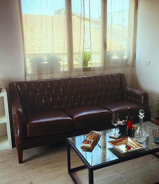 Canapé 3 places en cuir COLBERT - Marron