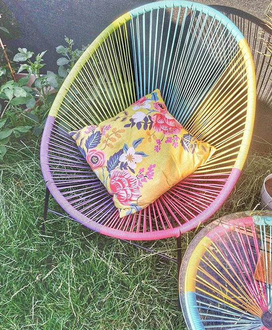 Salon de jardin ALIOS II en fils de résine tressés - multicolore : 2 chaises et une table