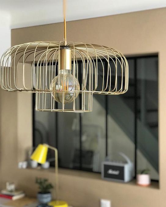 Suspension filaire style design ANDROMAQUE - Métal - H. 130 cm - Finition dorée mate